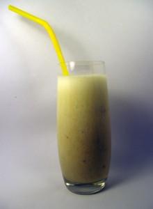bananu-ir-pieno-kokteilis