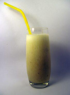 Bananinis pieno kokteilis